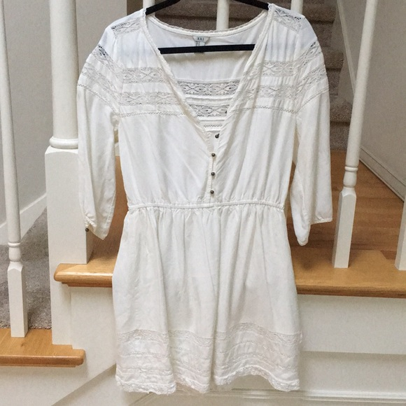 Forever 21 Dresses & Skirts - White lace long sleeve dress